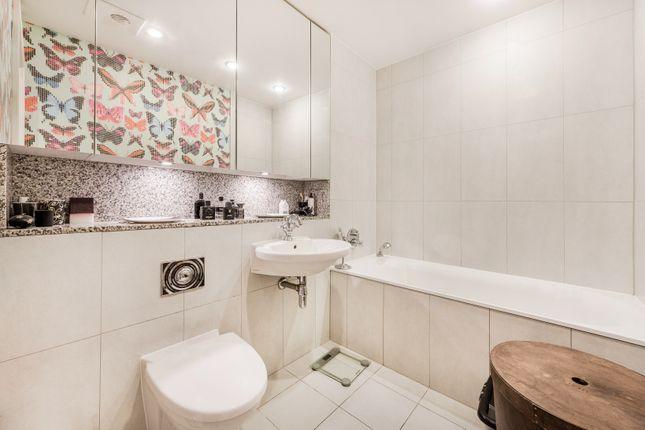 Main Bathroom of Kingfisher House, Battersea Reach, London SW18