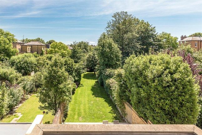 Thumbnail Terraced house for sale in Brodrick Road, Wandsworth