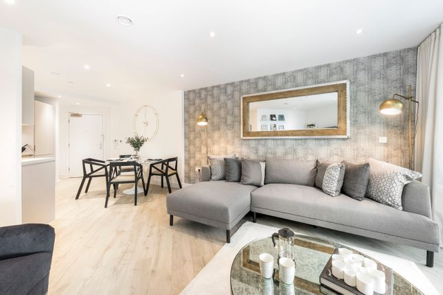 Thumbnail Town house for sale in Union Close, London