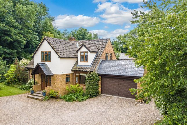 Thumbnail Detached house for sale in Fairlawn Road, Banstead