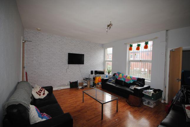 Thumbnail Terraced house to rent in 2 Regent Terrace, Hyde Park, Leeds, Hyde Park