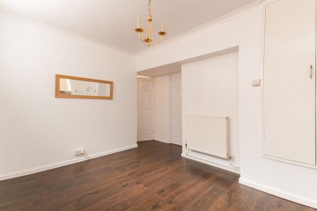 Thumbnail Flat for sale in Mascalls Way, Chelmsford