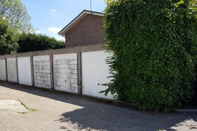 Parking/garage to rent in Spring Court, Guildford
