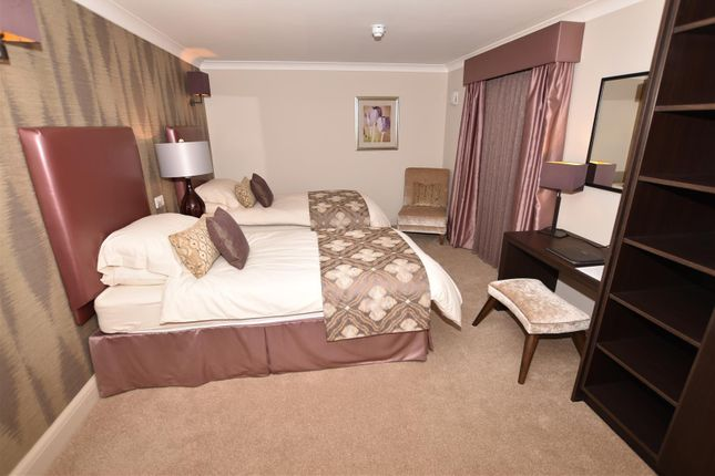 Guest Suite of Cranleigh Drive, Leigh-On-Sea SS9