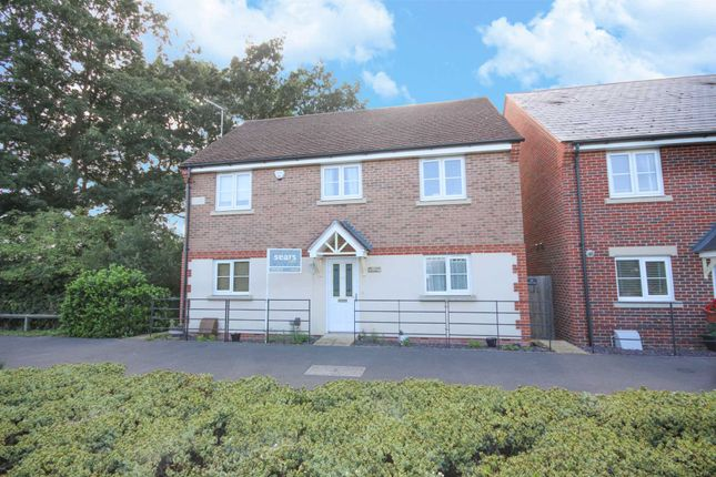 Thumbnail Detached house to rent in Merlin Way, Bracknell