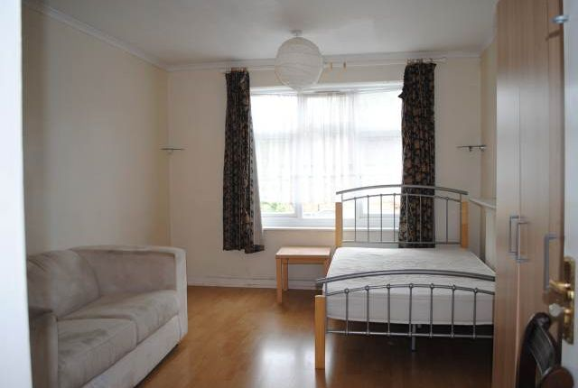 Thumbnail Detached house to rent in St Helens Close, Uxbridge, Middlesex
