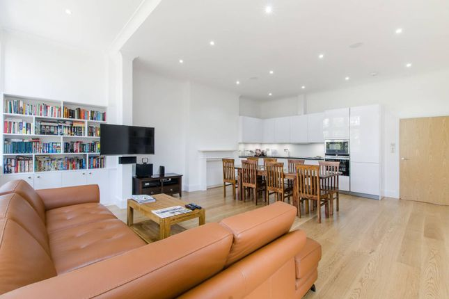 Thumbnail Flat for sale in Frognal, Hampstead