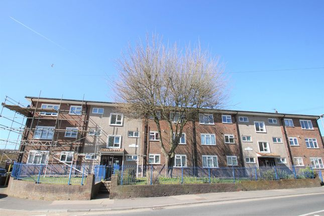 Thumbnail Flat for sale in Bligh Way, Strood, Rochester, Kent