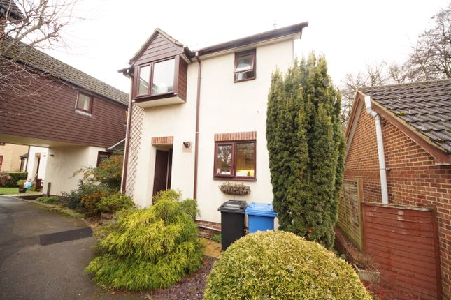 Thumbnail Link-detached house for sale in Nursery Close, Hook