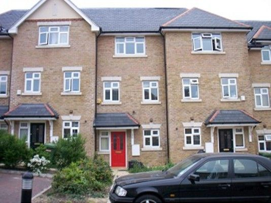 Thumbnail Town house to rent in The Rye, London