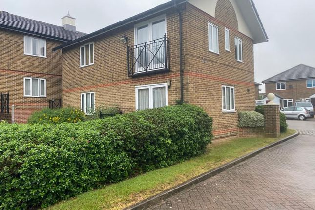 Thumbnail Flat to rent in Port Rise, Chatham