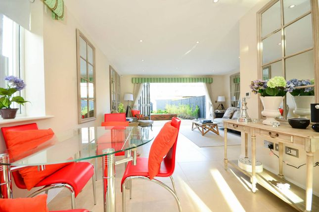 Thumbnail Property to rent in Cloister Road, Acton