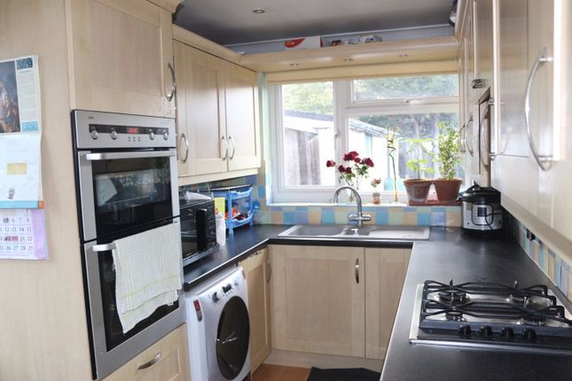 Thumbnail Semi-detached house to rent in Blumfield Crescent, Burnham, Slough