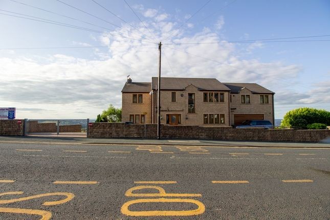 Thumbnail Detached house for sale in Scarlet Heights, Queensbury, Bradford
