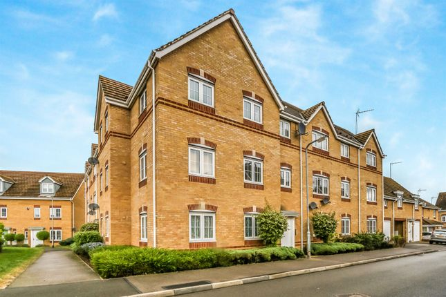 Thumbnail Flat for sale in Regency Court, Rushden