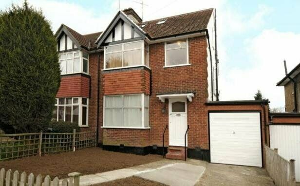 Thumbnail Semi-detached house to rent in Ellesmere Avenue, Mill Hill, London