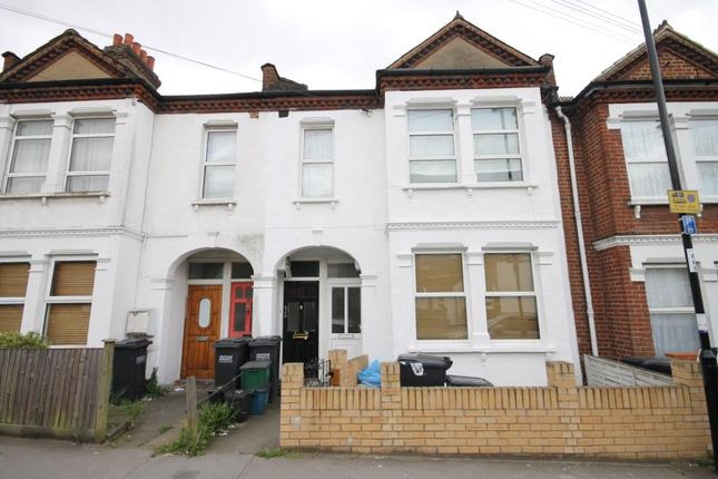 Thumbnail Flat for sale in Hythe Road, Thornton Heath, Surrey