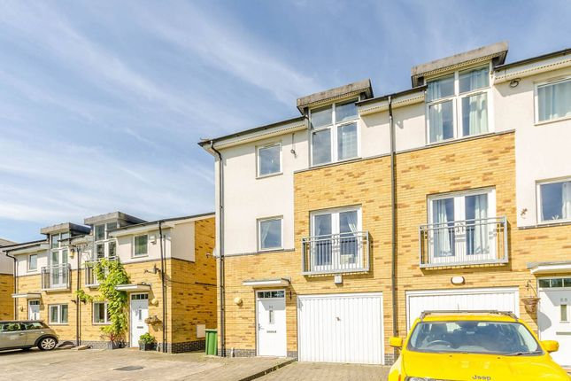 Thumbnail Property to rent in Brazier Crescent, Southall, Northolt