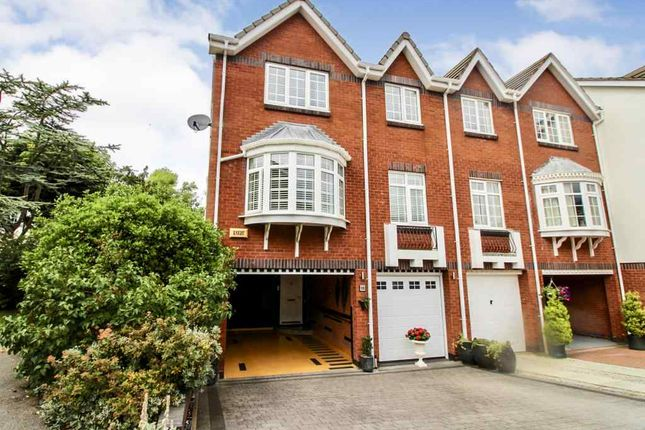 Thumbnail Town house for sale in Windsor Court, Oxford Road, Birkdale, Southport