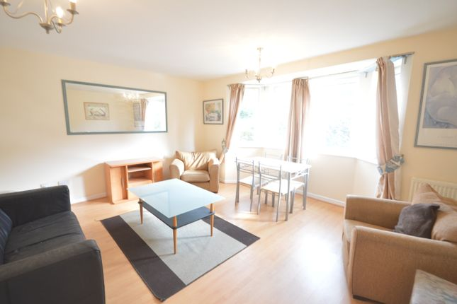 2 bed flat to rent in Corvette Court, Cardiff CF10