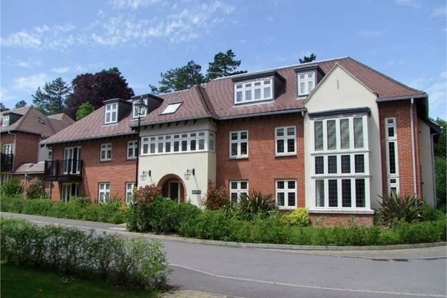 Thumbnail Flat to rent in Queens Lodge, Highcroft Road, Winchester, Hampshire