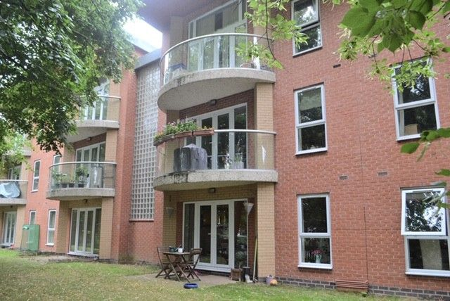 Thumbnail Flat for sale in Pineview Gardens, Littleover, Derby