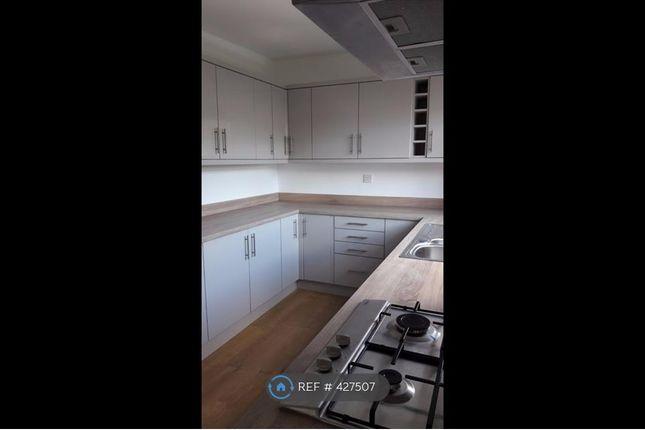 Thumbnail Semi-detached house to rent in Halton Moor Avenue, Leeds