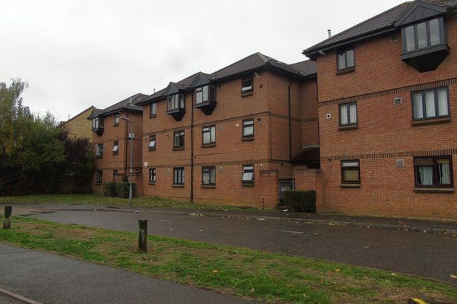 Thumbnail Flat to rent in Vicarage Way, Colnbrook, Slough