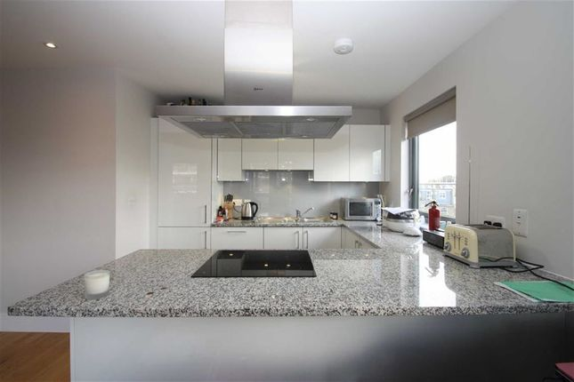Thumbnail Flat to rent in St Margarets Road, St Margarets, Twickenham