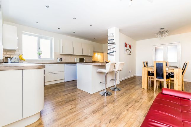 3 bed semi-detached house for sale in Eastfield Crescent, Woodlesford, Leeds