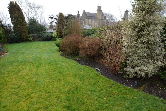 Picture No. 05 of Moor Park Villas, Leeds, West Yorkshire LS6