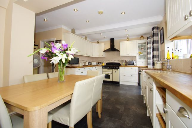 Thumbnail Semi-detached house for sale in Meadow View, Sidcup