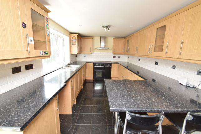 3 bed terraced house to rent in Trecarne, Falmouth TR11