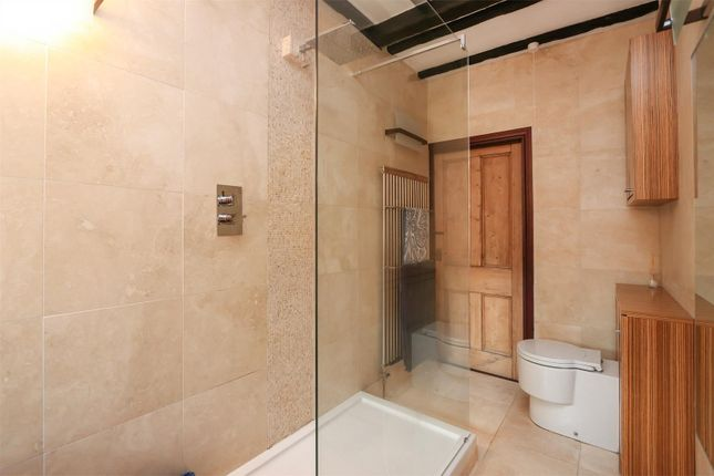 Ensuite of Chesterfield Road, Hardstoft, Chesterfield S45