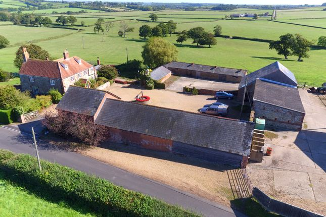 Thumbnail Farmhouse for sale in Rowlands Lane, Havenstreet, Isle Of Wight