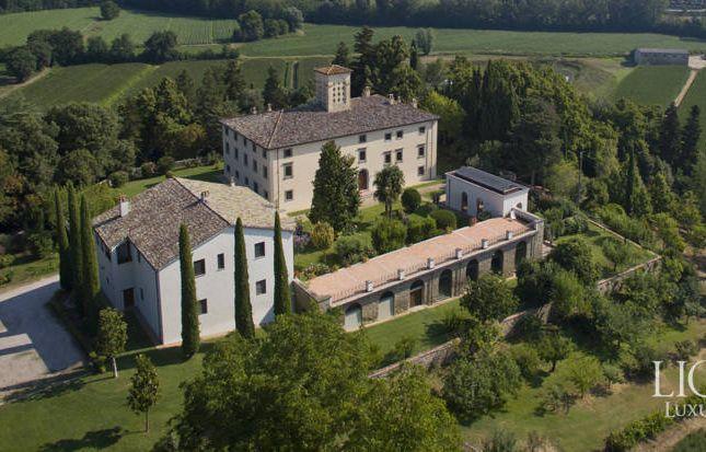 Thumbnail Villa for sale in Città di Castello, Città di Castello, Perugia, Umbria, Italy