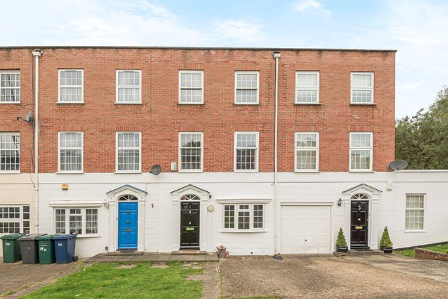 Thumbnail Town house to rent in Lorian Close, Woodside Park