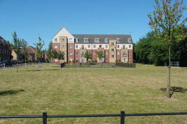 Flat in  Riverpark Way  Northfield  Birmingham