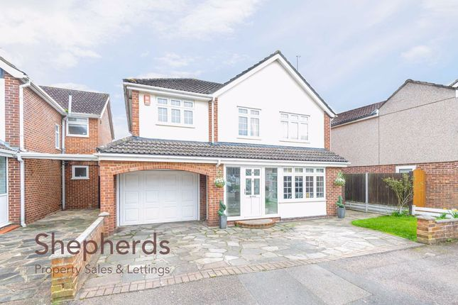 Thumbnail Detached house for sale in Hobsons Close, Hoddesdon, Hertfordshire