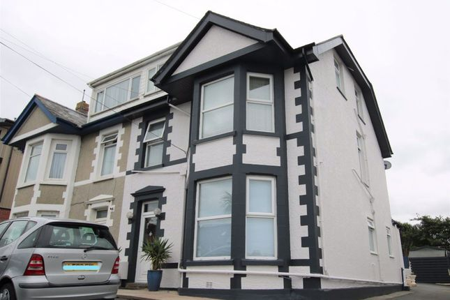 Thumbnail Studio to rent in Chingford, Henver Road, Newquay