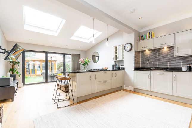 Thumbnail Property to rent in Havelock Road, Merton, London