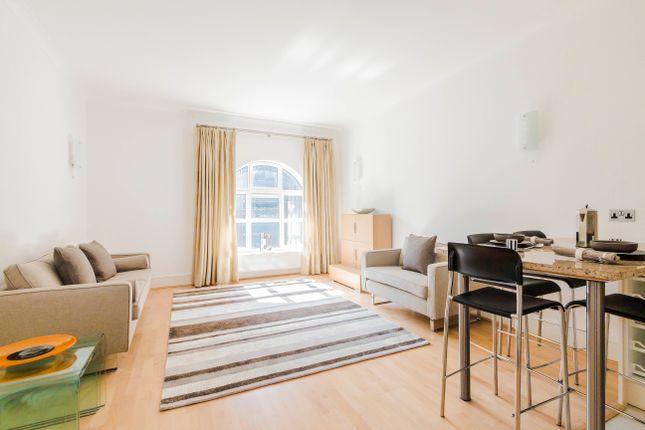 2 bed flat to rent in Battle Bridge Lane, London