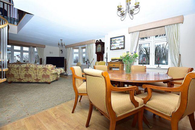 Living Room of Ingress Park Avenue, Greenhithe DA9