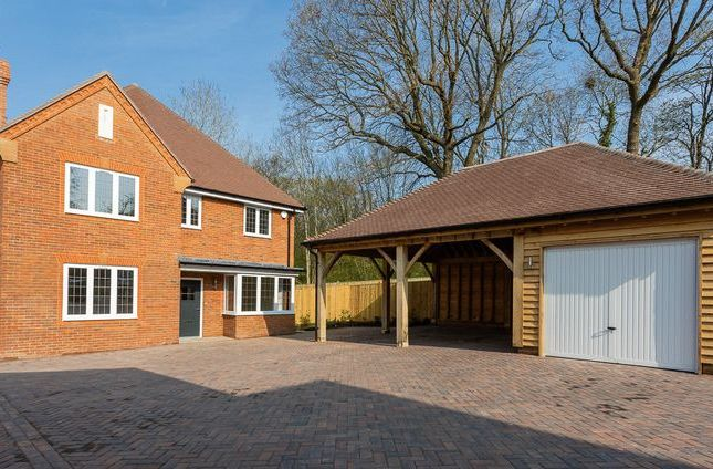 Thumbnail Detached house for sale in Oaklands Chase, Worth, Crawley, West Sussex