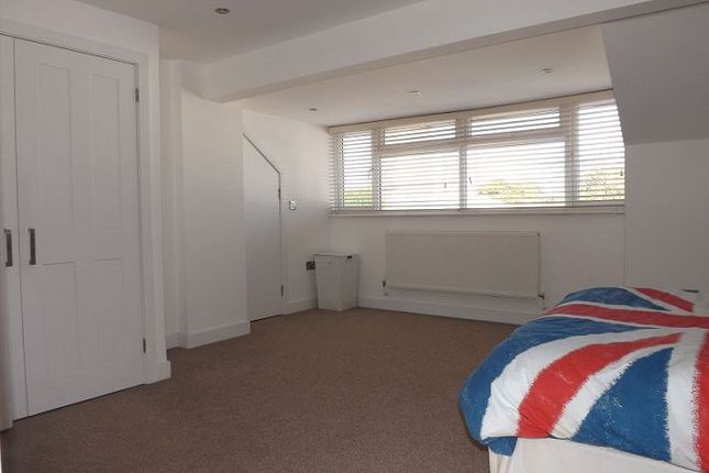 Thumbnail Flat to rent in St. Georges Walk, Waterlooville