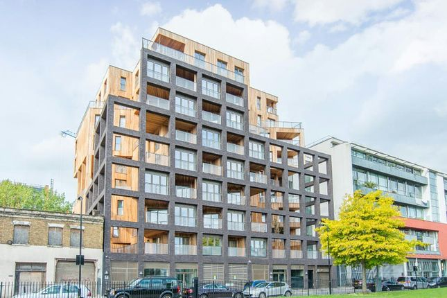 Thumbnail Flat for sale in Banyan Wharf, Cube Building, Wenlock Road, Islington, London