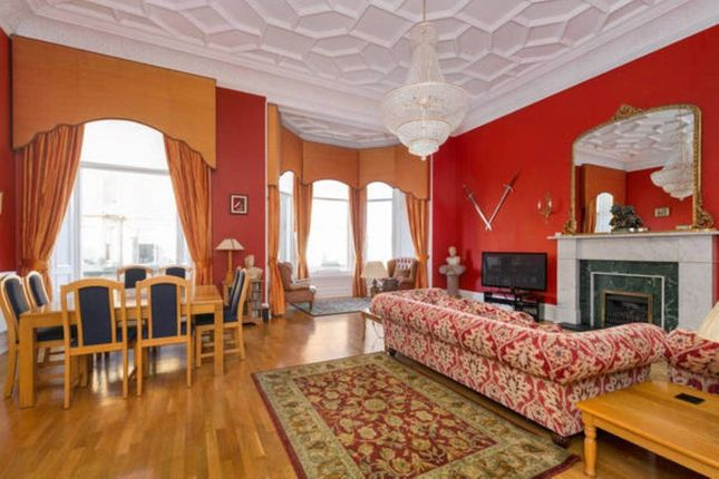 Thumbnail Flat to rent in Drumsheugh Gardens, Edinburgh