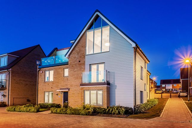 Thumbnail Detached house for sale in Fairway Drive, Chelmsford