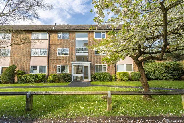 Thumbnail Flat for sale in Royal Avenue, Old Malden, Worcester Park