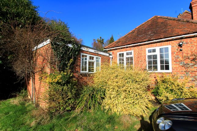 Thumbnail Bungalow to rent in Cliveden Road, Taplow, Maidenhead